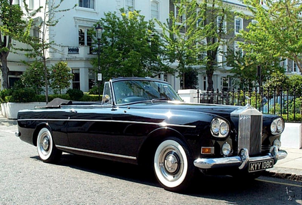 Diamond Tiara would have a 1965 Rolls Royce Silver awan III. What would Vinyl Scratch have?