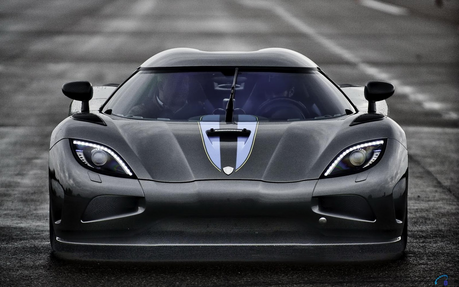 reyna Chrysalis would drive a Koenigsegg Agera R. What would Cadence drive?