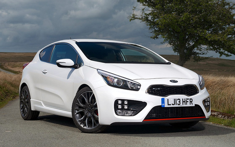 Lyra would drive a 2013 Kia proCeed GT. What would Mayor Mare have?