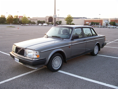 Derpy would drive a 1991 Volvo 240. What would Dinky have?