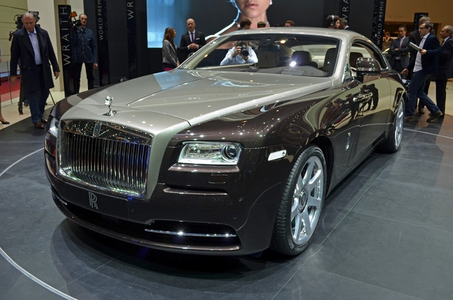 Fleetfoot would have a 2015 Rolls Royce Wraith. What would アップルジャック, applejack have?