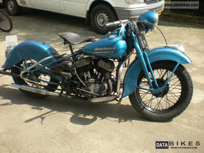 Lyra would have a 1943 Harley Davidson WLC 750. What would bombom have?