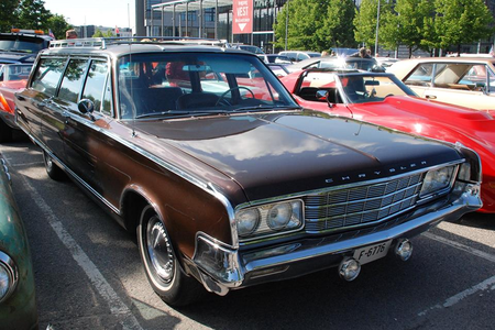 Mrs. Cake would drive a 1965 Chrysler New Yorker. What would Mr. Cake have?