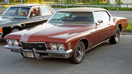 She would drive the 1972 Buick Riviera. What would regular Twilight have?