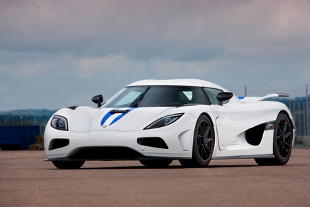 Lyra would drive a Koenigsegg Agera. What would caramelo, bonbon have?