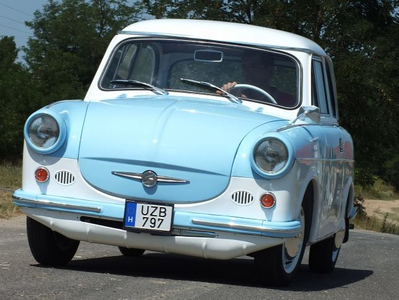 Marble Pie would drive a 1958 Trabant P60. What would Sunburst have?
