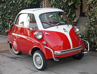 Trixie would have the best car ever. A 1956 BMW Isetta. What would Rarity have?