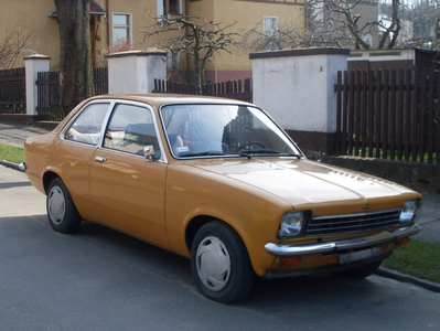 Lily drives a 1973 Opel Kadett. What does Gilda drive?