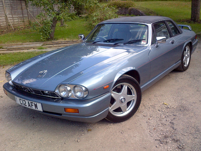 Luna has a 1986 Jaguar XJ-SC. What does Celestia drive?