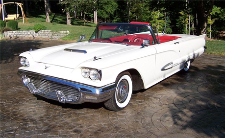 Nightmare Moon has a 1959 Ford Thunderbird. What does Lyra have?