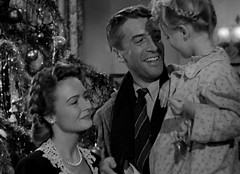 My favourite film to watch in the Winter is .....It's a Wonderful Life :)