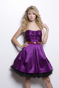 Tay in purple dress I would like a pic of Taylor from RED tour