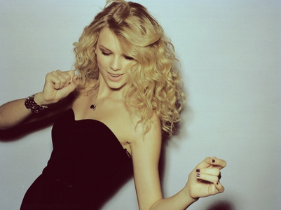 Taylor Dancing ! I Want A pic Of Tay Wearing A Red Lipstick ! :D