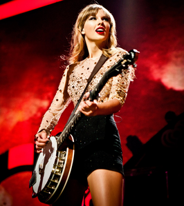 Tay in straight hair. I want a funny pic of Tay.
