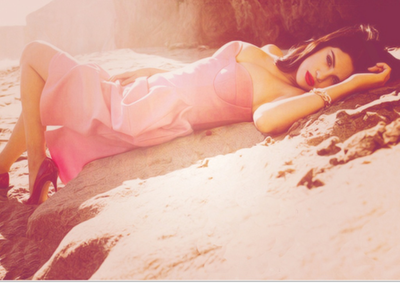 Selena pic-In a kulay-rosas dress on the sand. Selena answer-In Barney And Friends. She played Gianna.
