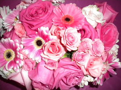 Here kulay-rosas bulaklak I don't know but I believe in spirits