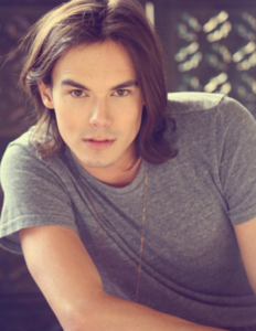 <i> Tyler Blackburn ^^ </i>
