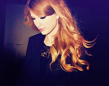 [i]Here's mine..hope wewe like it:) One of my fave Tay pics<3[/i]