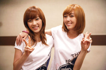 Taeyeon and Jessica I command a picture of Hyoyeon and Yuri