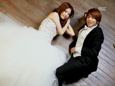 Seohyun and Yonghwa <33 I command a picture of Sunny in a commercial