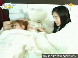 Jessica sleeping I command a picture of Seohyun on Running Man.