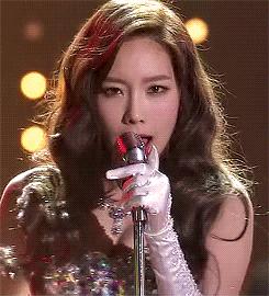 Taeyeon गाना <333 http://1.bp.blogspot.com/-fnR5KRWByl8/UsHkDXUIHZI/AAAAAAAAwcM/uZfeb-VREjk/s160