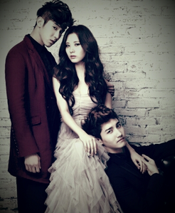 Seohyun with TVXQ I command a picture of Hyoyeon in Time Machine