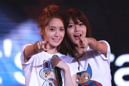 Sooyoung and Yoona I command a चित्र of YongSeo (Yonghwa and Seohyun)