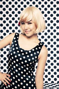 Tiffany in Hoot I command a selca of Taeyeon in 2014