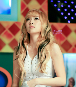 Jessica in blonde hair I command an edited picture of SNSD (i want to make it as my desktop backgro