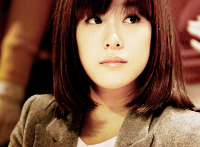 [i] Dislike :P (full bangs and short hair just doesn't suit her) [/i]