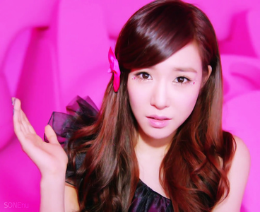 ROUND 3: Tiffany in Beep Beep - I like it because the mv is full with color and looks very cheerful.