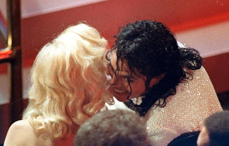 This must be my favourite pic of MJ and Madonna! At the same time as they seem to have fun, it also h