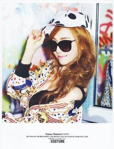 <i> Jessica </i>