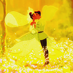 día 26 ~ Most Magical Moment [b] Tiana and Naveen transformed back into humans [/b]