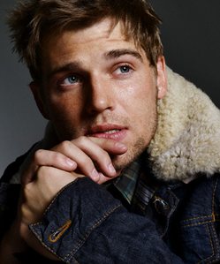 💕 [b]Mike Vogel[/b]