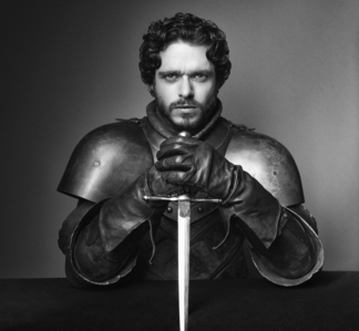 If it's just about posting hot pictures of Robb, I'm totally fine with that ;P