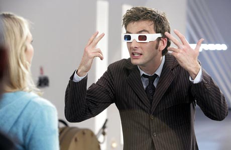 Next: The Doctor using sonic pemutar skru