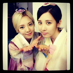 Seohyun and Hyoyeon <3