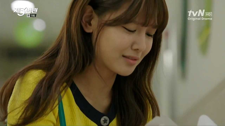 """Sooyoung from her drama """"The 3rd Hospital"""" I command a a cute picture of YoonYul."""