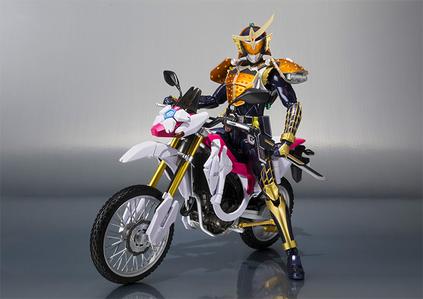 Me: *As Kamen Rider Gaim, arancia, arancio Arms, riding a Sakura Hurricane*