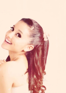 Ariana شبیہ 1