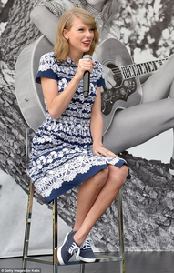 Tay with blue shoes❤ ❥