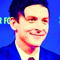 [b]Favorite TWD actor?[/b] Robin Lord Taylor