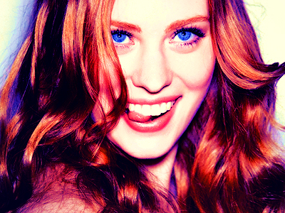 [b]Day 5: An actress who looks like someone anda know[/b] My best friend is Deborah-Ann Woll-ish, but