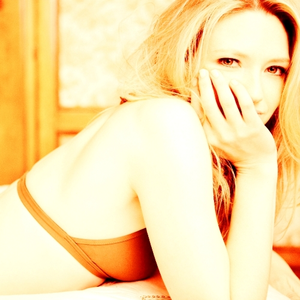 [b]Day 6: An actress anda would Cinta to see lebih of[/b] Anna Torv! I have been in serious withdrawa