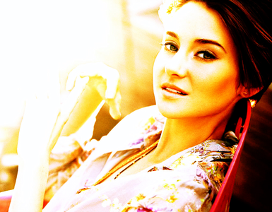 [b] দিন 1: Your পছন্দ actress at the moment [/b] [i]Shailene Woodley[/i]
