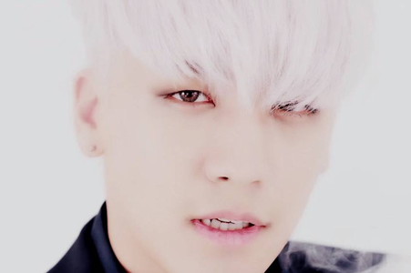 6th round: post a pic of seungri with blonde or White hair!~open ♔♥