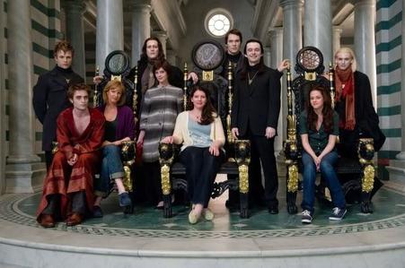 Round 77 Stephenie Meyer,individual یا with cast member(s) (closed) winner : prettyrose38 2nd pla