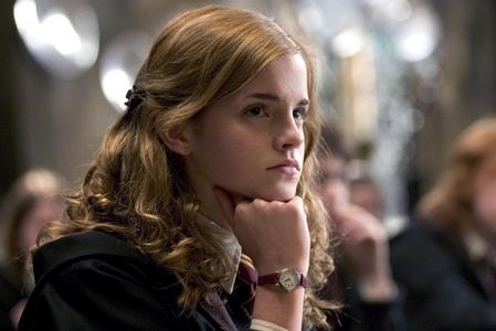 ROUND 1 - Hermione in class [b]Winner - Hermione4evr [/b] 2nd - Book-Freak 3rd - alkinza